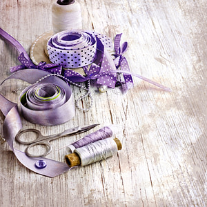 Ribbons and cotton ready to customize a Wedding Garter