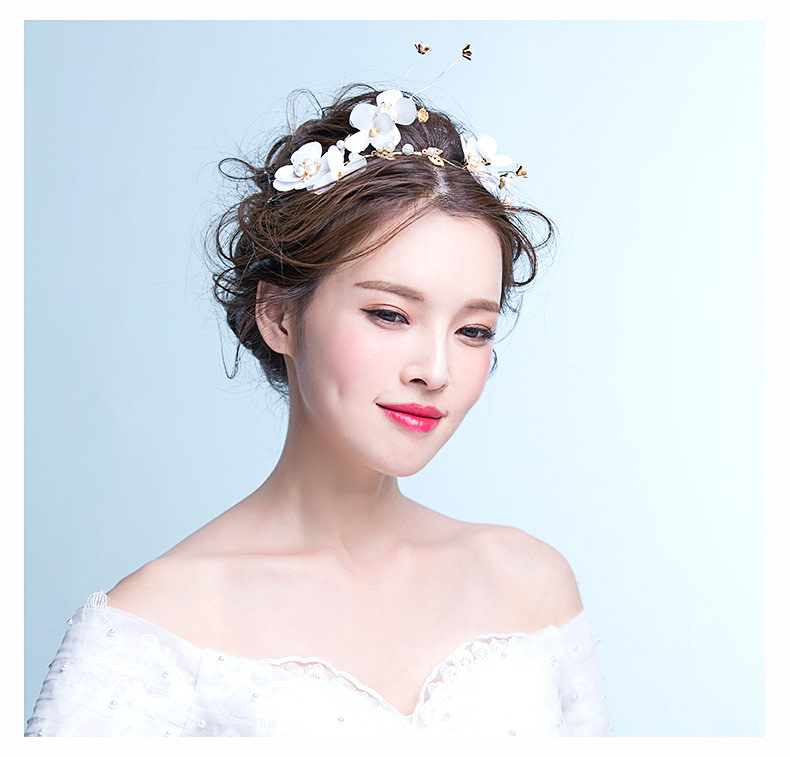 Beautiful Bride with Bridal Hairpiece