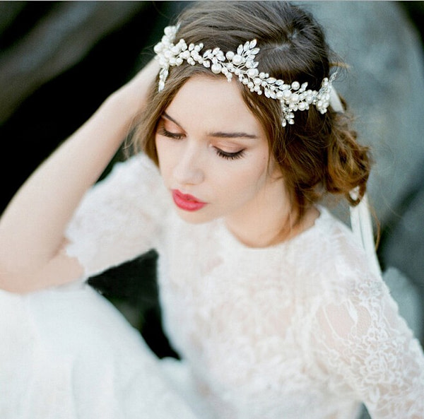 Bridal Hairvine in lovely design of pearls and rhinestones