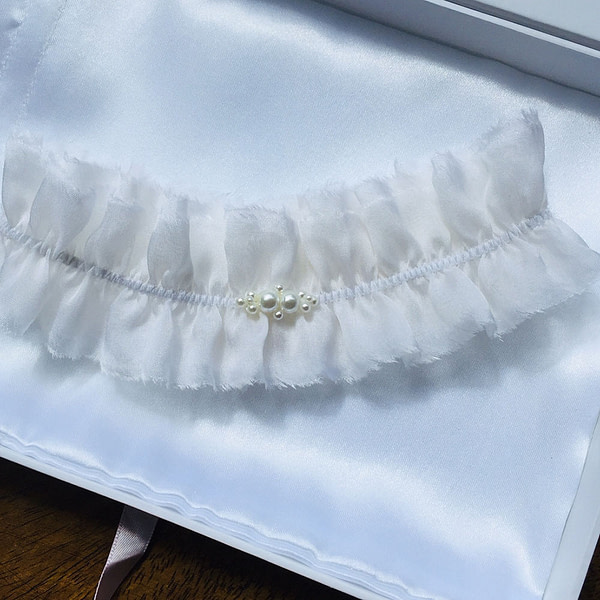 Ornate Swarovski Pearls on a pure silk Bridal Garter
